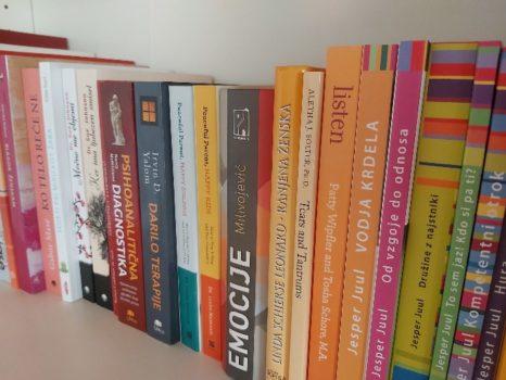knjige 700